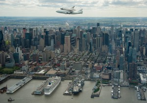 space-shuttle-enterprise_over-nyc